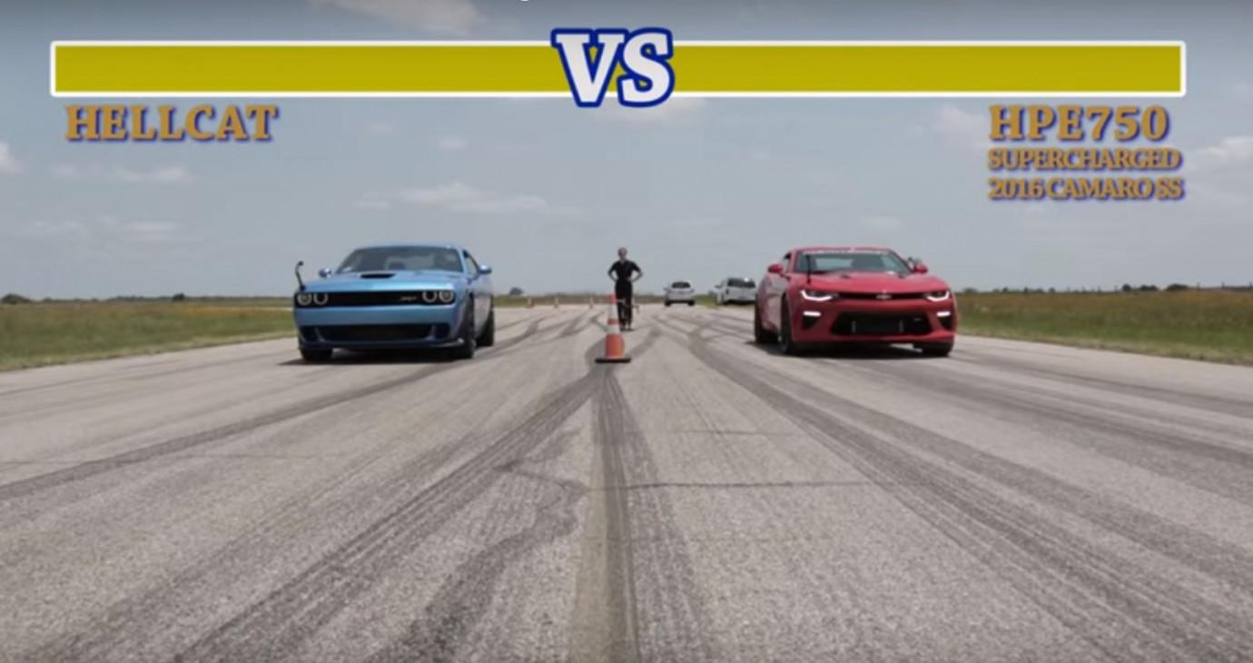 Video: Chevrolet Camaro SS đọ sức cùng Dodge Challenger Hellcat