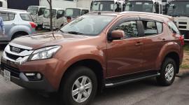 Isuzu MU-X 2016: Đối thủ của Toyota Fortuner về Việt Nam, giá dưới 1 tỷ đồng