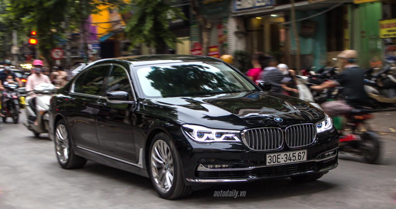 """Chạm mặt BMW 750Li 2016 mang biển """"khủng"""" tại Hà Nội"""