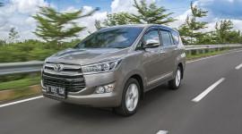 """""""Hàng hot"""" Toyota Innova 2016 giá 22.000 USD"""