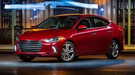 Hyundai Elantra 2017 được đánh giá là mẫu xe an toàn nhất
