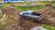 Video: Mitsubishi Triton và Pajero Sport sau tay lái từng 2 lần vô địch Dakar Rally