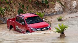 "Thử ""bản lĩnh"" Chevrolet Colorado 2017 tại Philippines"
