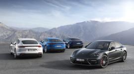 Porsche Panamera 2017 tiêu thụ 2.5L/100km sắp ra mắt