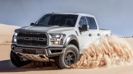 """Ford F-150 Raptor trang bị động cơ """"khủng"""", giá từ 49.520 USD"""