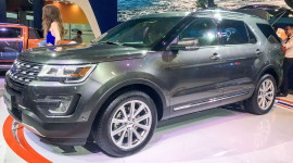 Tìm hiểu nhanh Ford Explorer 2017: SUV nhập Mỹ giá 2,18 tỷ đồng