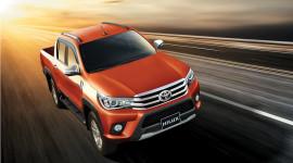 Toyota Hilux 2016 thêm động cơ và hộp số mới, giá từ 697 triệu đồng