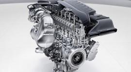 Mercedes-Benz quay lại sử dụng động cơ 6 xy-lanh thẳng hàng