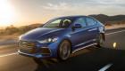 Hyundai Elantra Sport 2017 có giá từ 22.485 USD