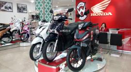 Honda SH 2017 đồng loạt về đại lý tại Hà Nội, chênh giá 14 triệu đồng