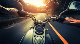 Mẹo xử lý xe máy hết xăng giữa đường