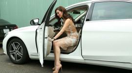 Mở cửa ôtô thế nào cho an toàn?