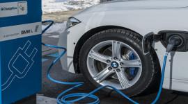 Tất cả dòng xe BMW sẽ có phiên bản chạy điện vào năm 2020