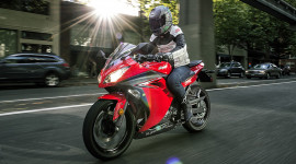 Kawasaki Ninja 300 2017 giá từ 4.999 USD