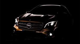 """Mercedes """"nhá hàng"""" GLA 2018 trước ngày ra mắt"""