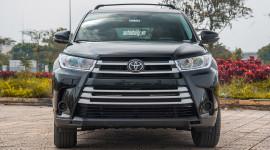 Video: Tìm hiểu nhanh Toyota Highlander LE 2017 nhập Mỹ giá hơn 2 tỷ đồng