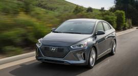 Hyundai Ioniq - đối thủ của Toyota Prius có giá từ 22.200 USD
