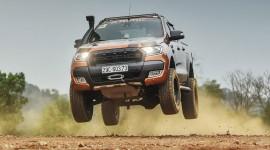 Độ Ford Ranger cực ngầu chơi off-road