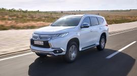 """Đánh giá Mitsubishi Pajero Sport 2017 - quyết """"đấu"""" Toyota Fortuner"""