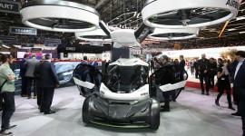 """Airbus ra mắt chiếc ôtô """"trốn"""" tắc đường"""
