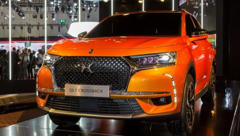 DS7 Crossback: Đối thủ mới của Mercedes-Benz GLC
