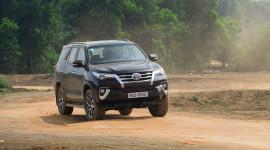 5 thay đổi đáng giá trên Toyota Fortuner 2017