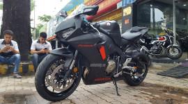 Siêu môtô Honda CBR1000RR FireBlade 2017 đầu tiên tại Việt Nam