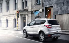 Đi ôtô, làm thế nào để tiết kiệm xăng hằng tháng?