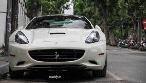 Ferrari California lận đận nhất Việt Nam tái xuất tại Hà Nội