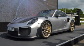 Porsche 911 GT2 RS 2018 chốt giá 19,1 tỷ đồng tại Việt Nam