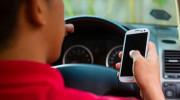 Lái ôtô: Cẩn thận chết vì điện thoại di động