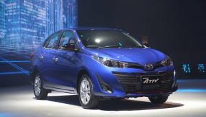 """Toyota trình làng Yaris sedan """"giá rẻ"""""""