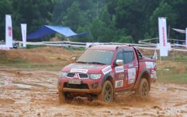 """Mitsubishi Triton khẳng định """"chất"""" offroad tại VOC 2017"""