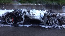 Siêu ngựa Ferrari F12tdf cháy rụi trên cao tốc Autobahn