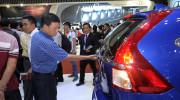 Dân Việt thiệt thòi khi ôtô giảm giá, phí trước bạ không giảm