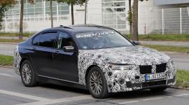 """""""Bắt gặp"""" bản nâng cấp mới của BMW 7-Series trên đường phố"""