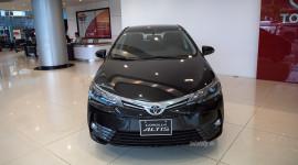 Ảnh chi tiết Toyota Corolla Altis 2017