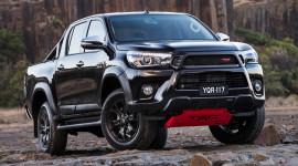 """Toyota cân nhắc sản xuất Hilux """"khủng"""" để đấu Ford Ranger Raptor"""