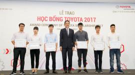Toyota trao hàng tỷ đồng học bổng cho sinh viên Việt Nam