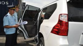 Điều bất thường trên thị trường ôtô: Nín lặng chờ đợi
