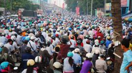 """Báo Mỹ: """"Việt Nam đang căng mình chiến đấu với xe máy"""""""