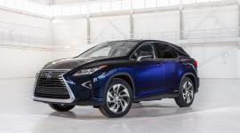Lexus RX 450h 2018 giảm giá gần 7.400 USD