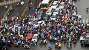 Việt Nam muốn hết tắc đường nên cấm xe máy ở thành phố