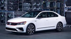 Volkswagen Passat GT 2018 trình làng