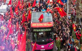 Xe buýt hai tầng giá 6 tỷ chở U23 Việt Nam diễu hành có gì đặc biệt?
