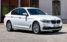 BMW 540d xDrive máy dầu giá từ 62.000 USD