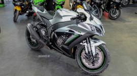 Siêu mô-tô Kawasaki Ninja ZX-10R 2018 màu hiếm về Việt Nam