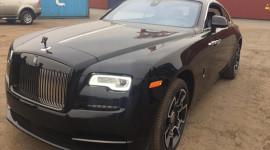 Siêu phẩm Rolls-Royce Wraith Black Badge đầu tiên cập cảng Việt Nam
