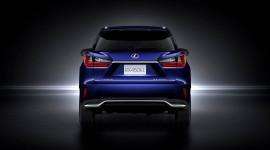 Lexus RX 450hL 2018 có giá từ 50.620 USD