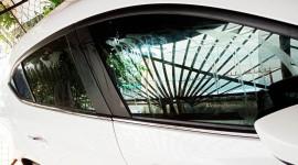 Nữ tài xế bức xúc vì ô tô bị tạt keo 502